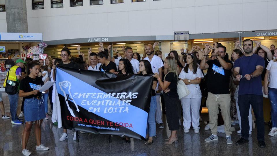 Nueva jornada de protesta por su contrato del colectivo de las enfermeras eventuales en el CHUF